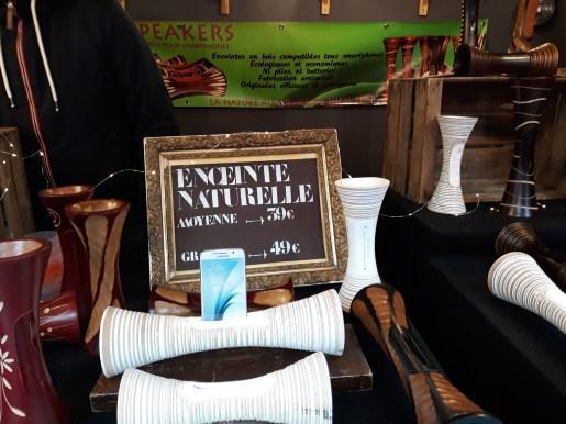 Chalet d'enceintes naturelles au marché de noël d'Angers