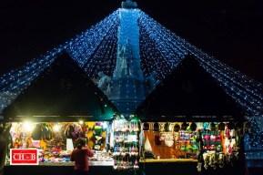 Le marché de noël de nuit - la place de la république éclairée