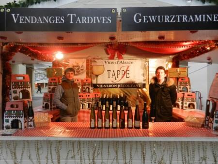 Chalet de vins d'Alsace sur le marché de noël de Rouen