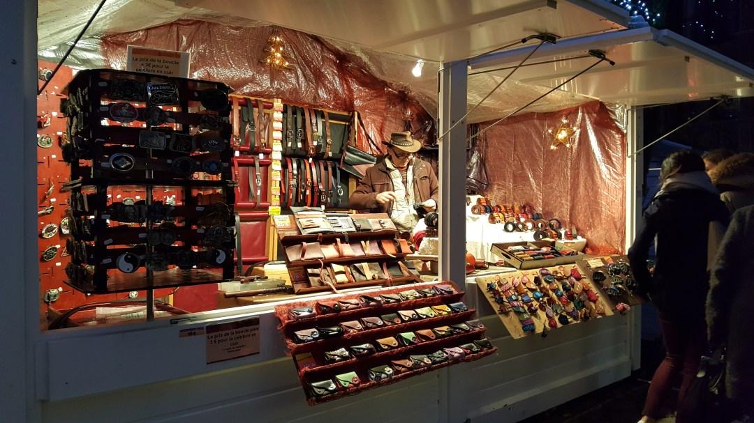 Chalet de portes-cartes au marché de noël de Rouen