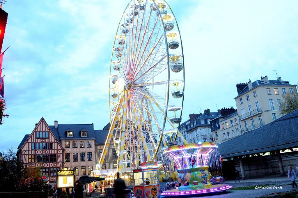 grande-roue-marche-de-noel-rouen-2018.jpg