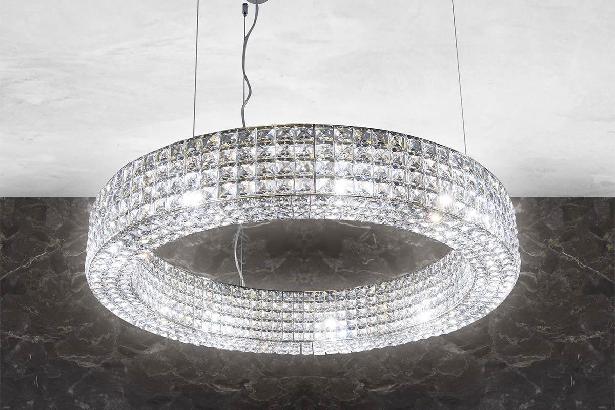 come creare un lampadario fatto in casa con oggetti facili da trovare. Consigli Di Stile E Progettazione 5 Idee Per L Illuminazione Del Soggiorno Marchetti Illuminazione