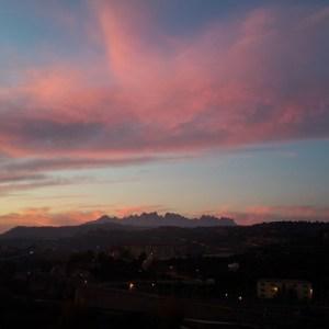 Vue depuis le centre spirituel de Manresa. Au fond, les monts qui abritent le sanctuaire marial de Manresa où Ignace a fait halte.