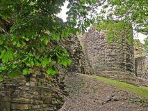 pontefract_castle_ruins2
