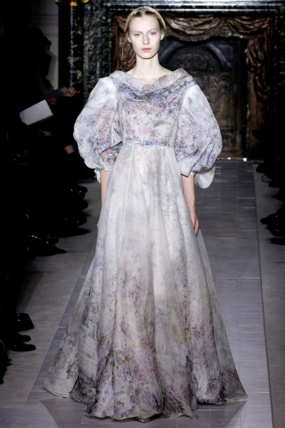 valentino-couture-spring-2013-42_172035343162