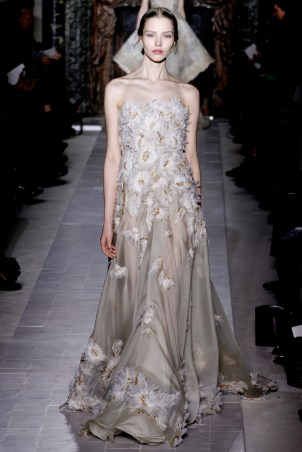 valentino-couture-spring-2013-45_172037910585