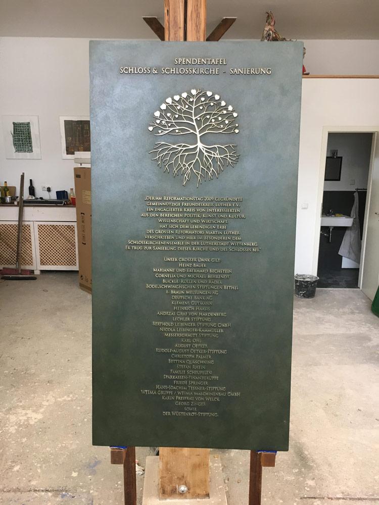 Bronzetafel mit den Spendern 2017