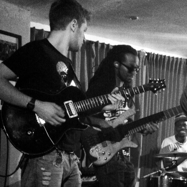Pro Guitar Teacher in West London, Notting Hill, Knightsbridge, Belgravia, Hammersmith, Kensington, West Kenstinton – Marco Cirillo Guitar London Guitar Tutor –