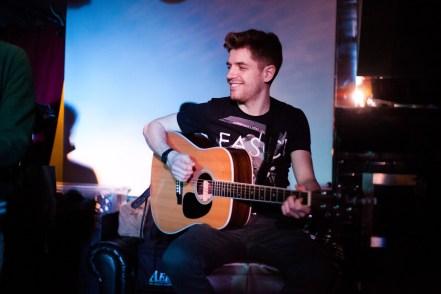 London Guitar Lesson with Marco Cirillo. Acoustic Guitar Lesson. Beginners - Advanced Guitar Lesson