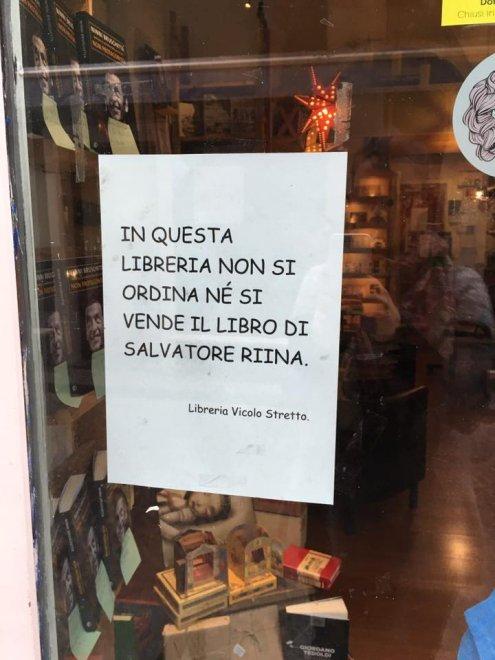 manifesto della libreria - fonte internet