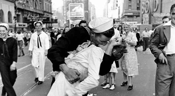 come nei sogni, il bacio a Time Square - fonte Internet