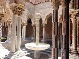 Fontana del chiostro dei Benedettini