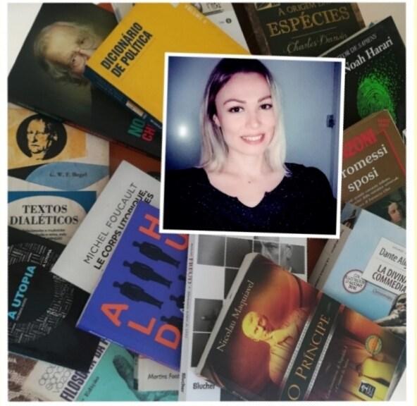 Camille e i suoi libri, foto mandata da lei