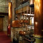 Sale della distilleria, parti degli alambicchi.