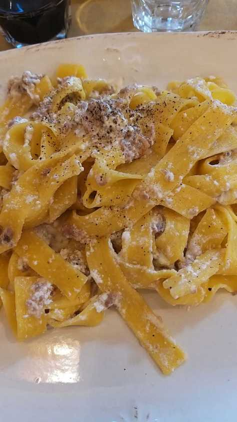 Castelluccio e nient'altro - Pappardelle alla Castellucciana.