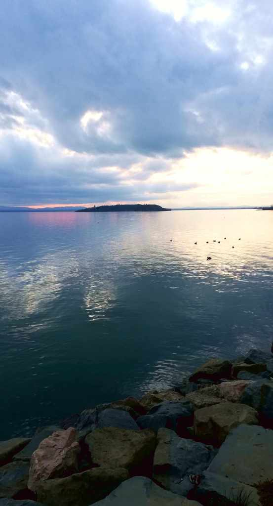 Tramonto sul lago Trasimeno