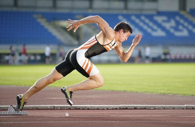 Homem correndo atletismo