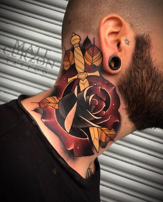 Tatuagem de flor homem