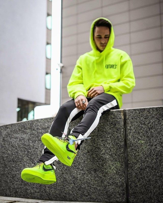 Nike Force 1 Neon