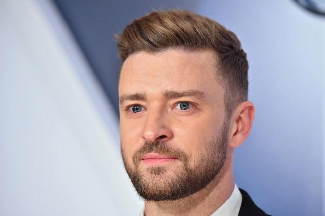 Justin Timberlake com cabelo liso progressiva
