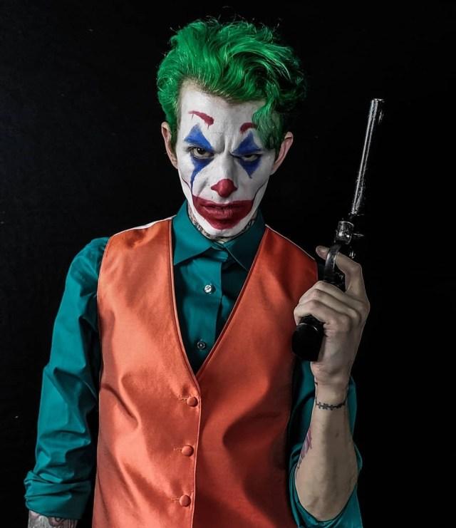 Fantasia e maquiagem do Coringa Joker