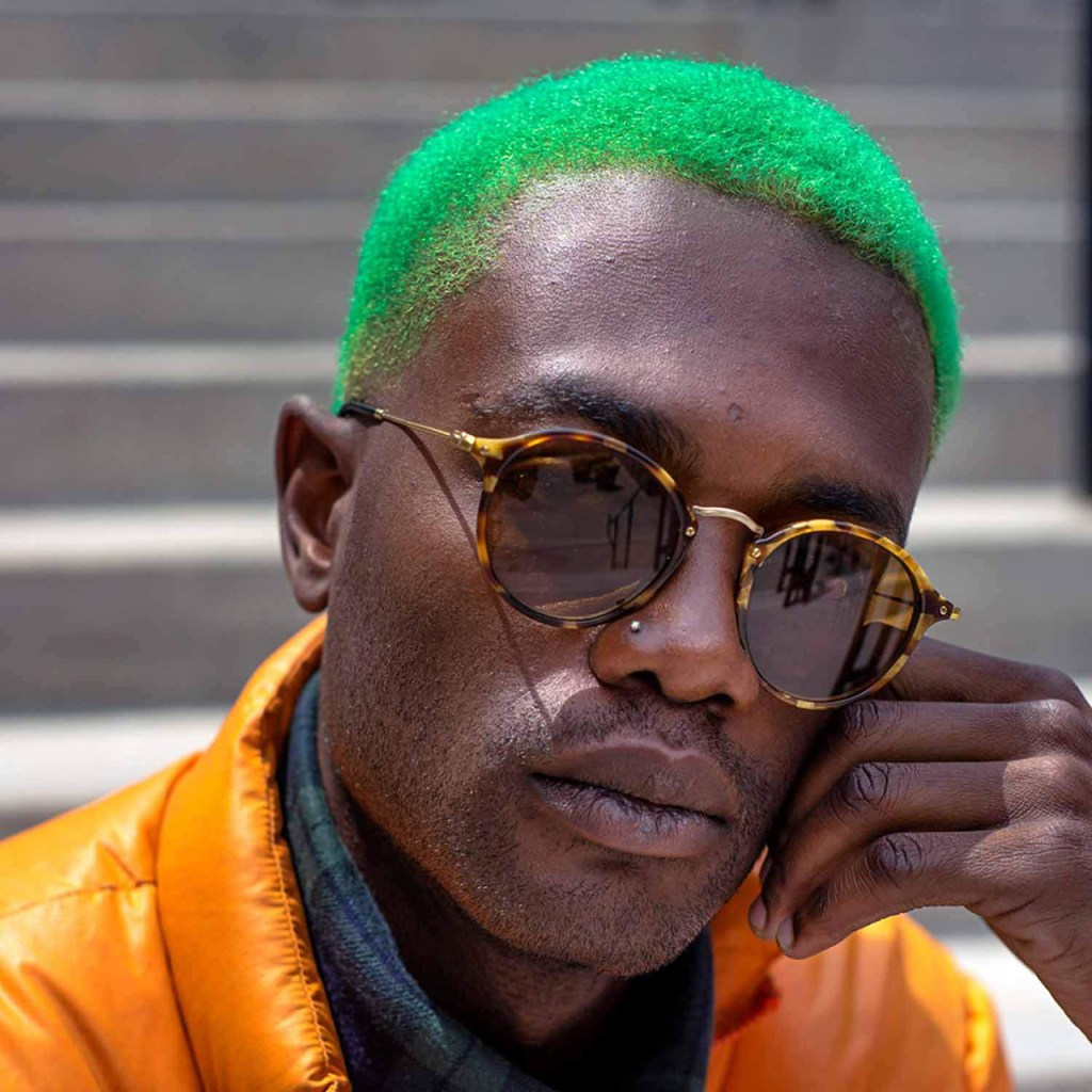 Cabelo colorido masculino: verde