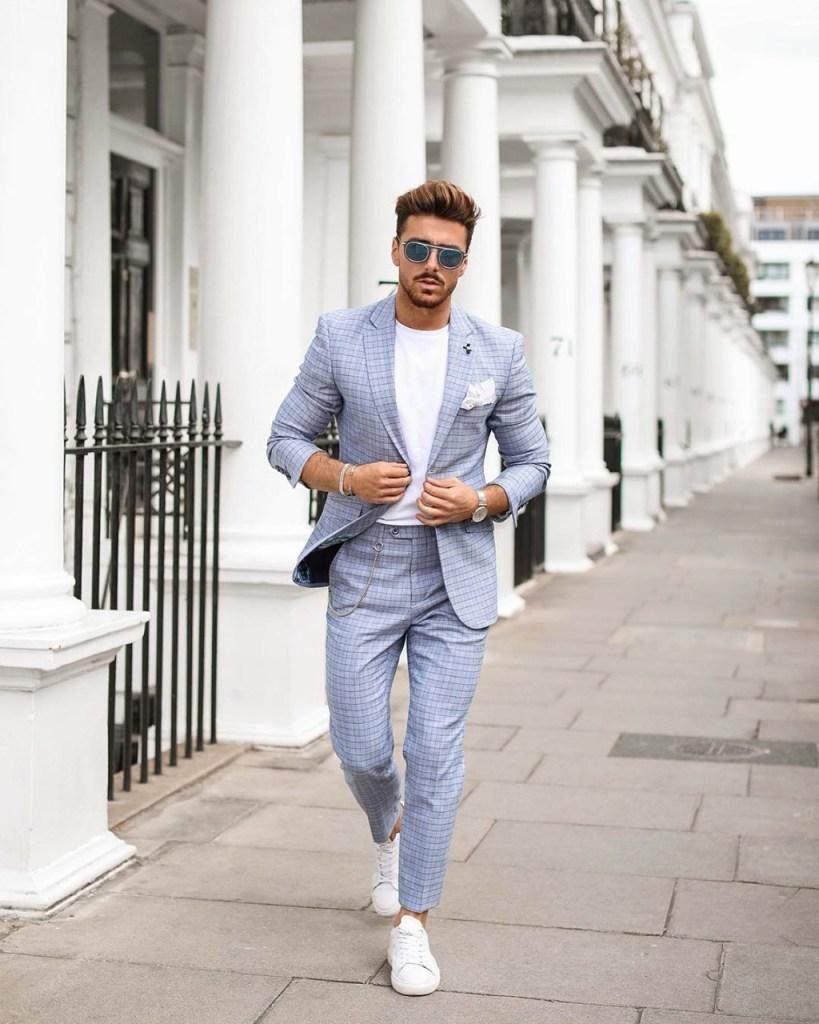 Fashion for men: summer suit