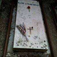 Sulla tomba di Stravinskij