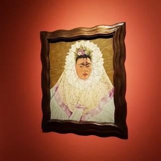 il volto di frida kahlo resilienza mostra di frida kahlo a Milano