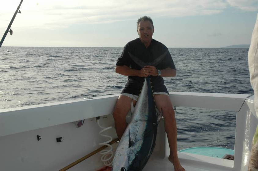 Impiegando grossi minnow e trainando nelle zone giuste è possibile catturare i tonni rossi a traina d'altura