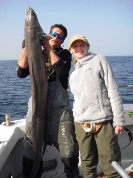 Un grosso grongo catturato con la canna in acque Atlantiche Francesi