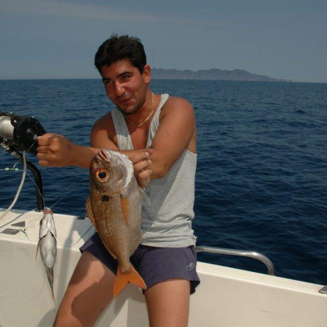 La pesca dell'occhione viene effettuata in prevalenza con mulinelli elettrici