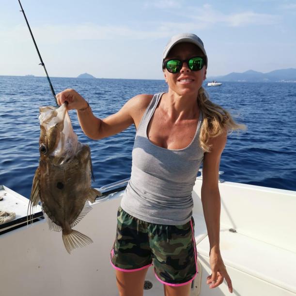La pesca di alto fondale offre spesso specie particolari purtroppo spesso si trovano su poste lontane e solo con uscita di intera giornata sono raggiungibili e praticabili