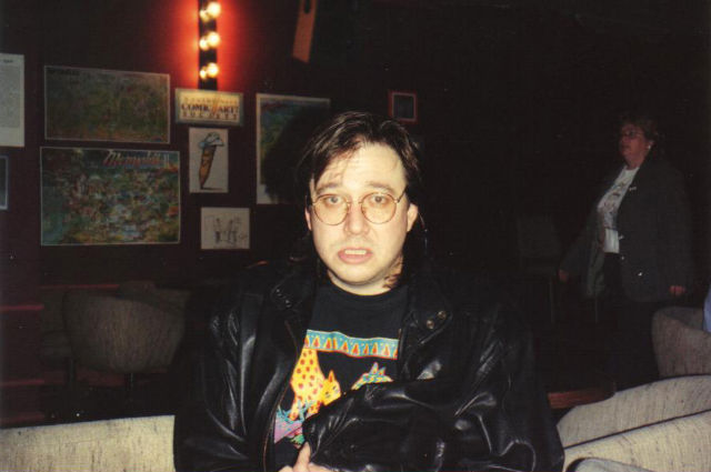 Bill_Hicks_at_the_Laff_Stop_in_Austin,_Texas,_1991