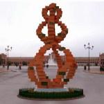 Referencia en el Diario «El Pais» a mi escultura arquitectónica