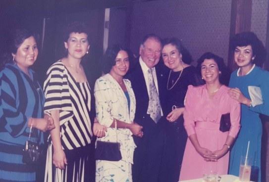Con papa Ernesto y Sra Luisa