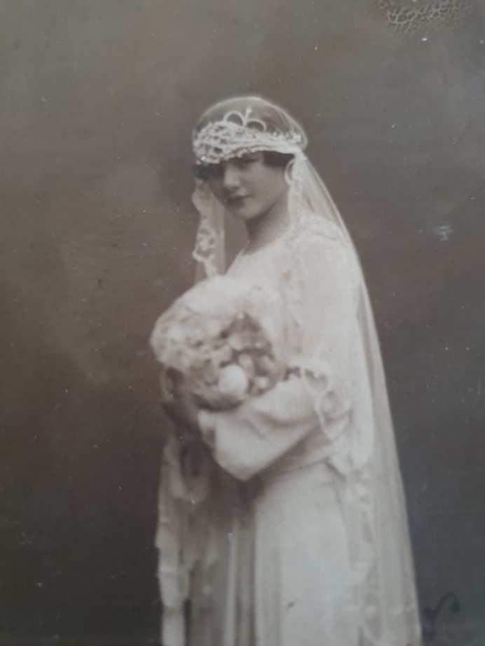 Clara Mansilla de novia
