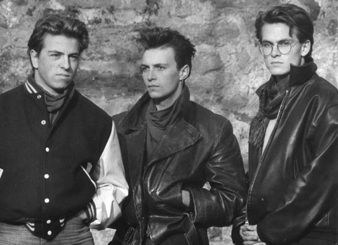 Damals, vor fast 30 Jahren… Teil 2 | Die Gang unterwegs auf der Amoeneburg, Herbst 1985: Andreas, Stefan und Marcos (v.l.n.r.). Aufgenommen mit dem Selbstauslöser meiner Spiegelreflex-Kamera von Praktika und einem Tele-Objektiv. © Marcos López