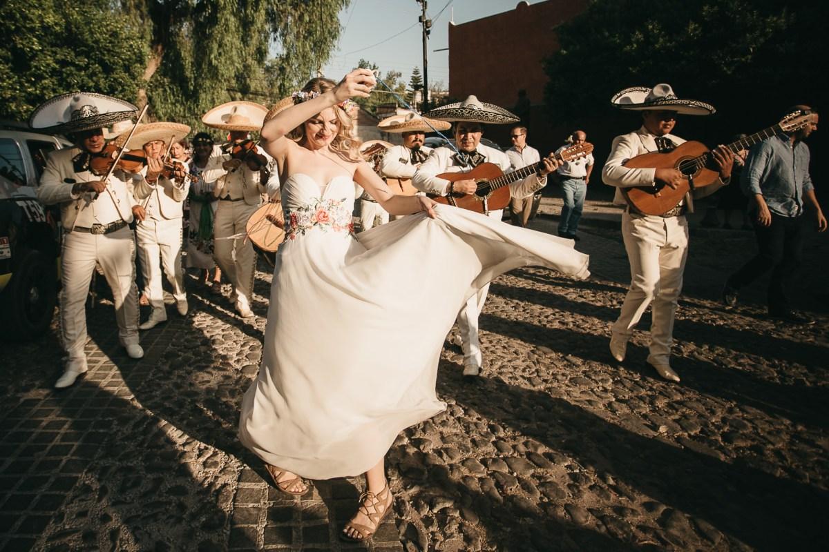 Callejoneada in San Miguel de Allende Priscilla & Emmanuel // marcosvaldés|FOTÓGRAFO®