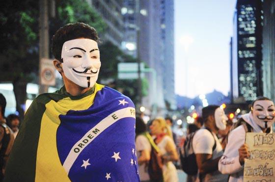 Até hoje as manifestações de junho geram interpretações divergentes. Para Nassif, naquele momento as elites perceberam que havia um espaço para minar a popularidade da presidenta Dilma e enfraquecê-la politicamente