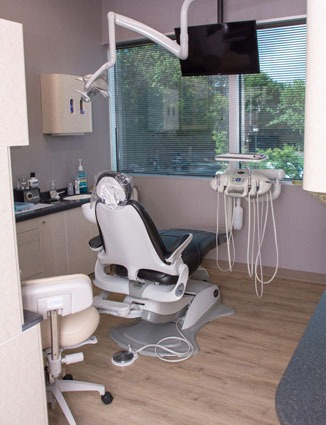 marcus dental patient examination room 1 - Services