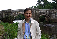 Lois Oreiro, autor da obra na ponte Brandomil, sobre o río Xallas