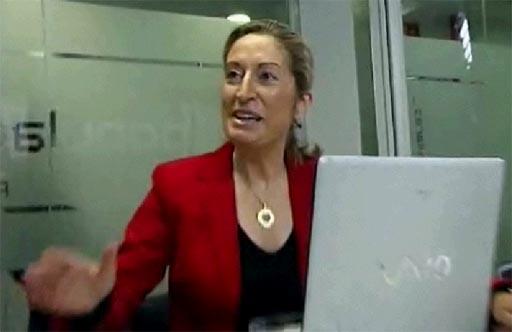 Ana Pastor co Sony Vaio