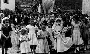 Imagen de una comunión en la Grela recogida en la exposición