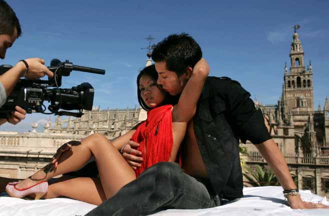 Totó García filmando xunto a Xiralda