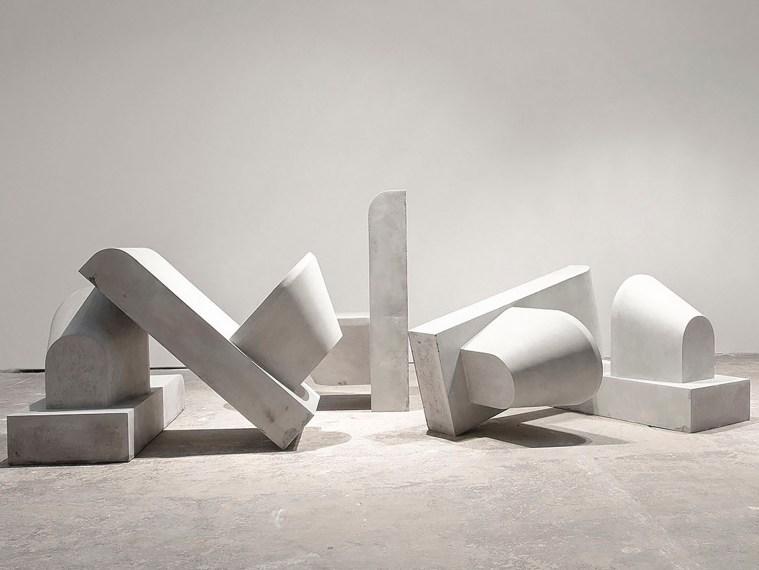 Marcus Kleinfeld, DERELICTION, 2010 5 plaster casts 90 x 45 x 60 cm each