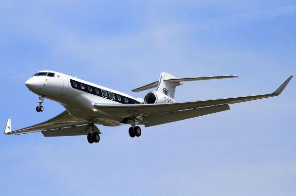 G-ULFS_Gulfstream_G650_CVT_05-05-16_(27046023031)_(cropped)