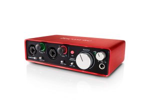 focusrite scarlett 2i2 - right