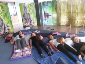 Devi yoga_Mar de yoga en Alicante_4