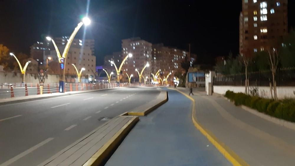 Mardin'de yollar sessizliğe büründü
